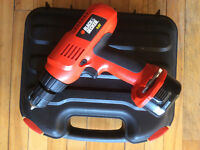 Drill Black & Decker avec coffre / with case & charger