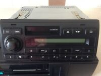 GENUINE LAND ROVER DISCOVERY 2 CASSETTE RADIO & CD CHANGER