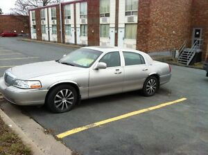 Lincoln town car $2500 Dartmouth