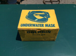 VINTAGE 1960's DOLPHIN UNDERWATER MASK IN BOX.