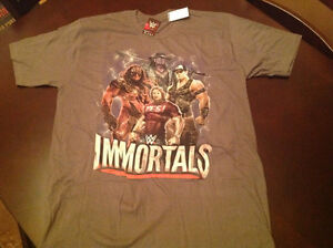 Wwe immortals t-shirt size large.