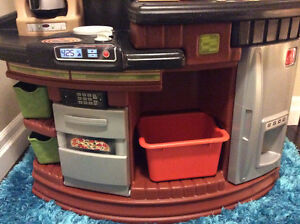 Large Step 2 play Kitchen and accessories Stratford Kitchener Area image 4