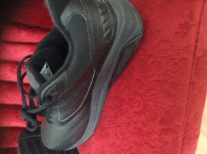 MENS ORTHEPEDIC SHOES SIZE 10.5.