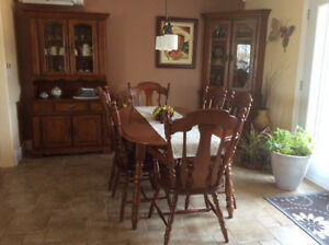 Vilas Colonial Dinning Set With 2 Buffet