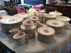 China Dinnerware Johnson Bros 'Queen's Bouquet' Over 100 Pcs!