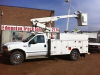 2001 Ford F-450 XL  SERVICE BODY 32FT ALTEC MANLIFT