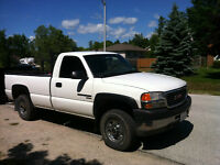 2002 GMC Sierra 2500 Pickup Truck with Eagle electric tailgate