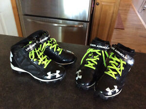 Size 2.5 football cleats