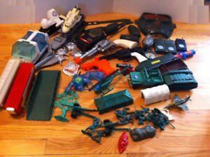 ARMY MEN AND MILITARY TOYS