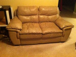 Three pieces set: sofa, loveseat, armchair