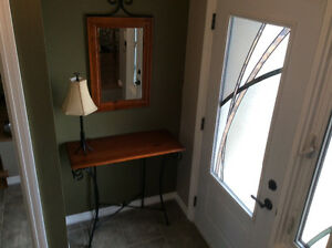 BEAUTIFUL ACCENT TABLE, MIRROR  & LAMP SET