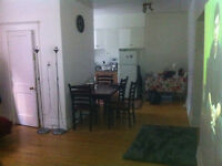 2 1/2 at 2 steps from Atwater metro station