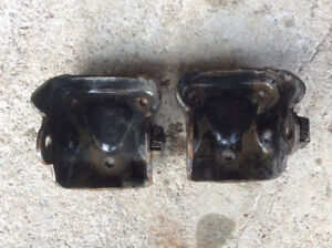 Chev truck small block motor mount brackets/headers