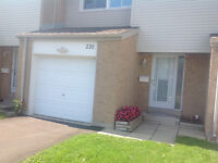 OPEN HOUSE - Townhouse with Garage - Close to White Oaks