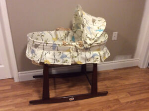 Bassinet/Moses Basket With Stand