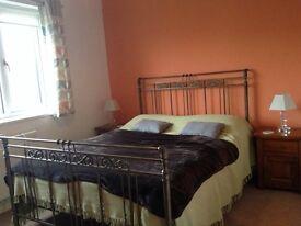 Comfortable & Quiet Ensuite Room in Porthcawl Town
