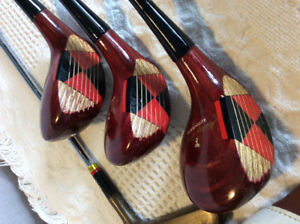 Vintage Wilson Mickey Wright golf clubs and bag