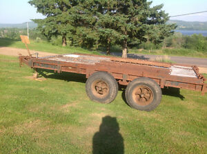 Dual axle heavy duty trailer