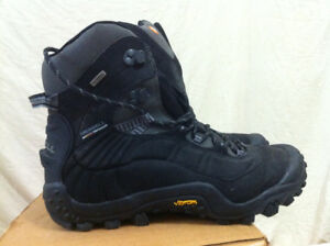 MERRELL Hiking Boots Like New Condition