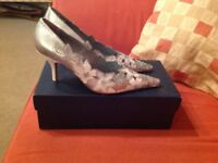Beautiful leather shoes with 3 inch heels by Pedro Miralles