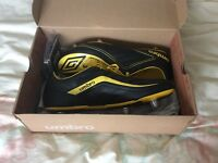 BRAND NEW Umbro size 13 football boots with extra studs