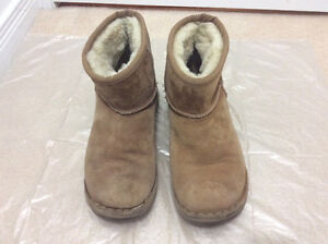 Aldo brown leather with faux fur inner winter boots size 39 8.5