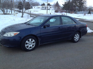 2004 Toyota Camry LE Sedan*******one owner*******