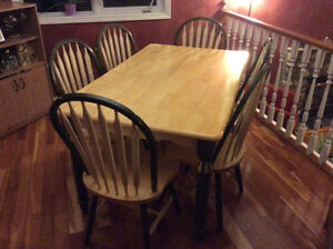 Country Charm Table and Chairs for 6