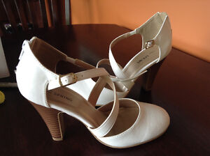 Belle chaussure blanche