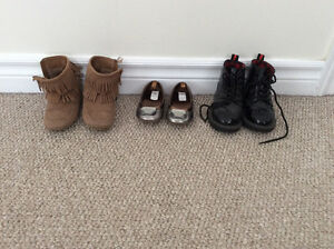 Various shoes/boots