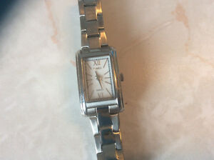Womens.stainless.steel.timexwatch..adjustable.braclet