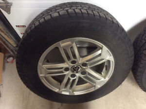 4 mags VW Tiguan + pneus d'hiver Continental 215-65-R-16