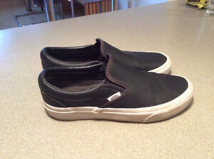 Women's 8.5 Leather Perforated Vans Slipon Shoes