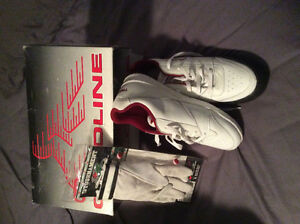 Brand new women's size 8 curling shoes and medium gloves