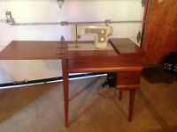 Value + $350. - Sewing Machine Machine Coudre
