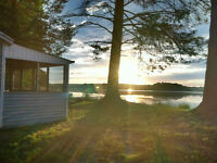 Waterfront Cottages on beautiful Gananoque waterway lake system
