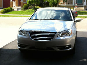 2012 Chrysler 200 Touring Sedan. Safety & E-test. Very Clean.