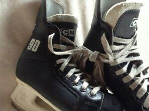 Boys Hockey Skates (size 3)