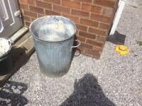 Solid metal bin