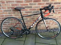 Cube attain race road bike