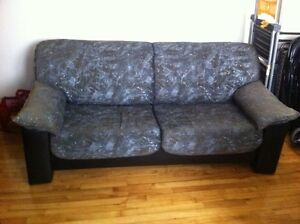 Sofa lit / Hideabed / Futon taht thurns into a bed