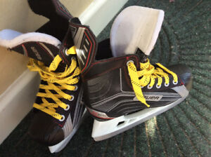 Youth Bauer Skates Size 3