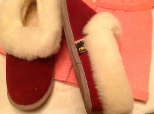 Prevost sheepskin slippers, size 8 / 9