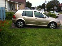 URGENT!!! 2004 Volkswagen Golf Berline pour route ou pièces