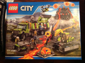 Lego City # 60124 - Volcano Exploration Base  Trucks Drone Lava