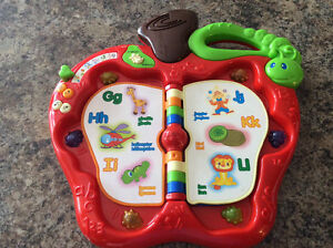 Infantino Discovery Apple