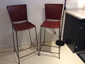 Tabourets et chaise en rotin