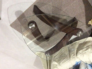Modern wood & glass coffee table Asking $60 Excellent Condition