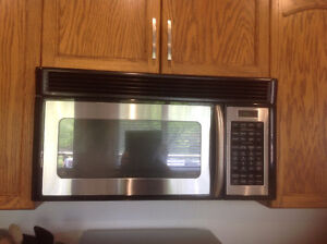 GE SPACESAVER OVER THE RANGE MICROWAVE