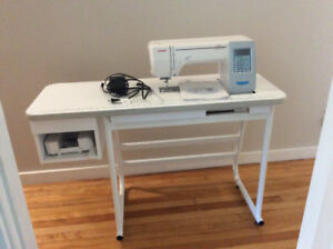 Janome 8200 sewing Machine with table